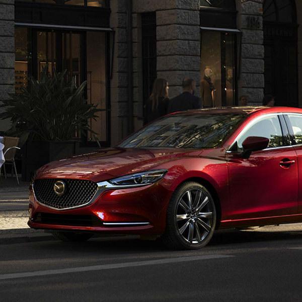 Odkrijte Mazdine Elegantne In Napredne Avtomobile Mazda